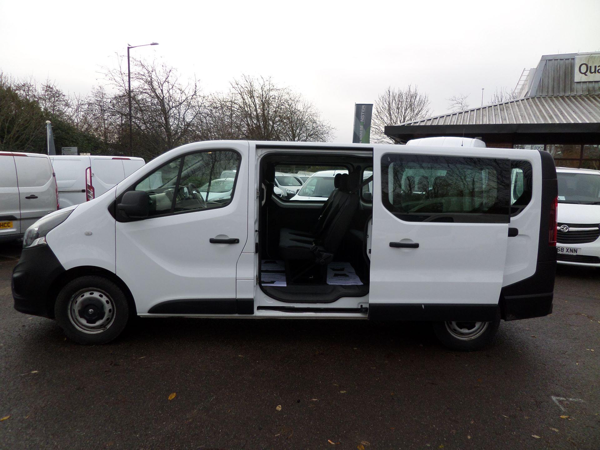 2015 Vauxhall Vivaro 2900 1.6Cdti 115Ps H1 Combi 9 Seat Mini Bus Euro 5 (DS65UEP) Image 10