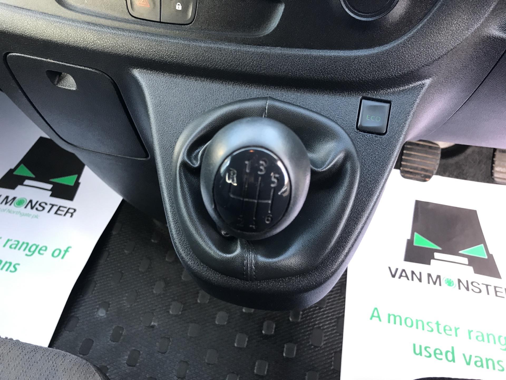 2015 Vauxhall Vivaro  L2 H1 2900 1.6 115PS COMBI 9 SEAT EURO 5  (DS65UFA) Image 11