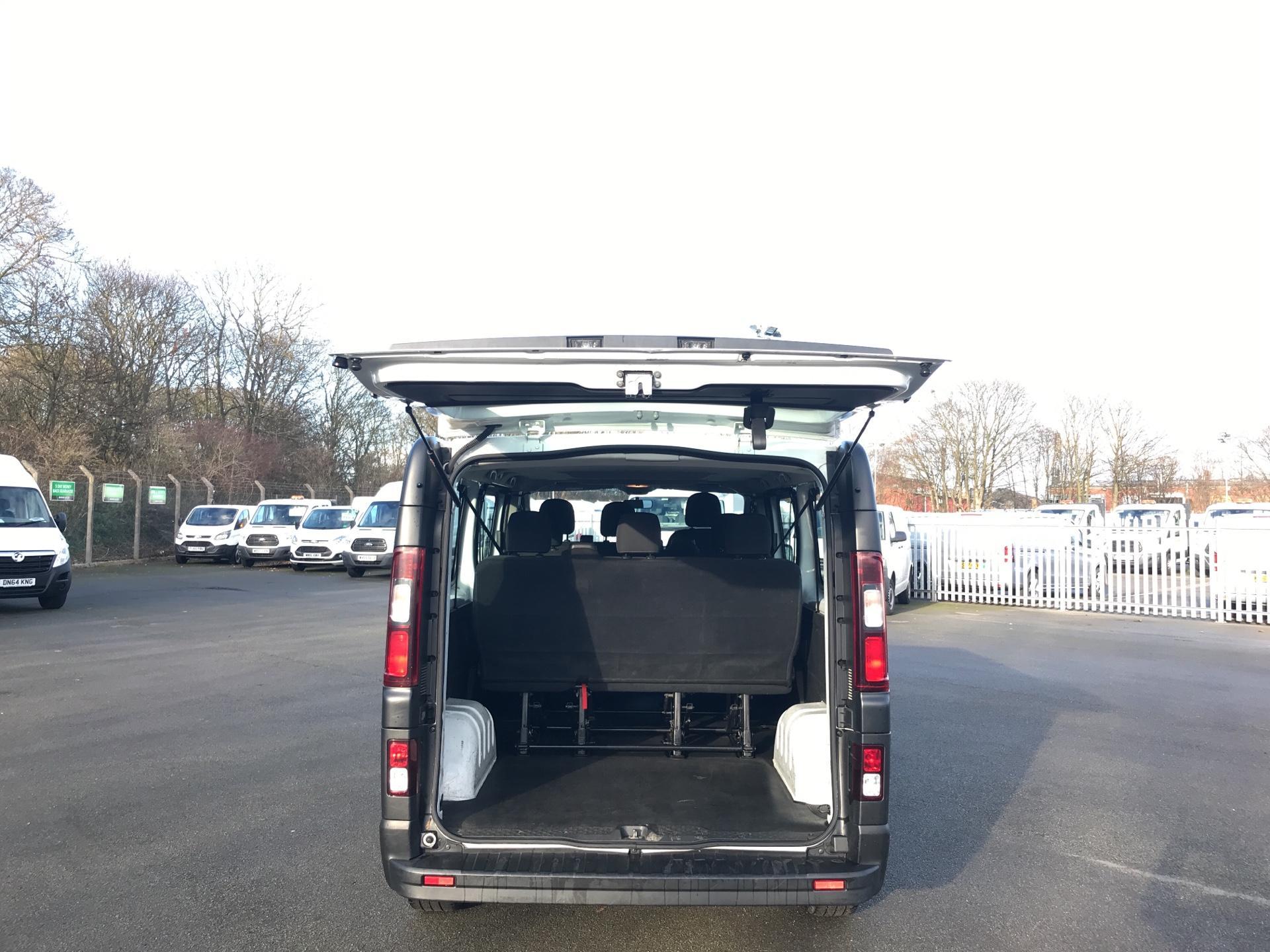 2015 Vauxhall Vivaro  L2 H1 2900 1.6 115PS COMBI 9 SEAT EURO 5  (DS65UFA) Image 17