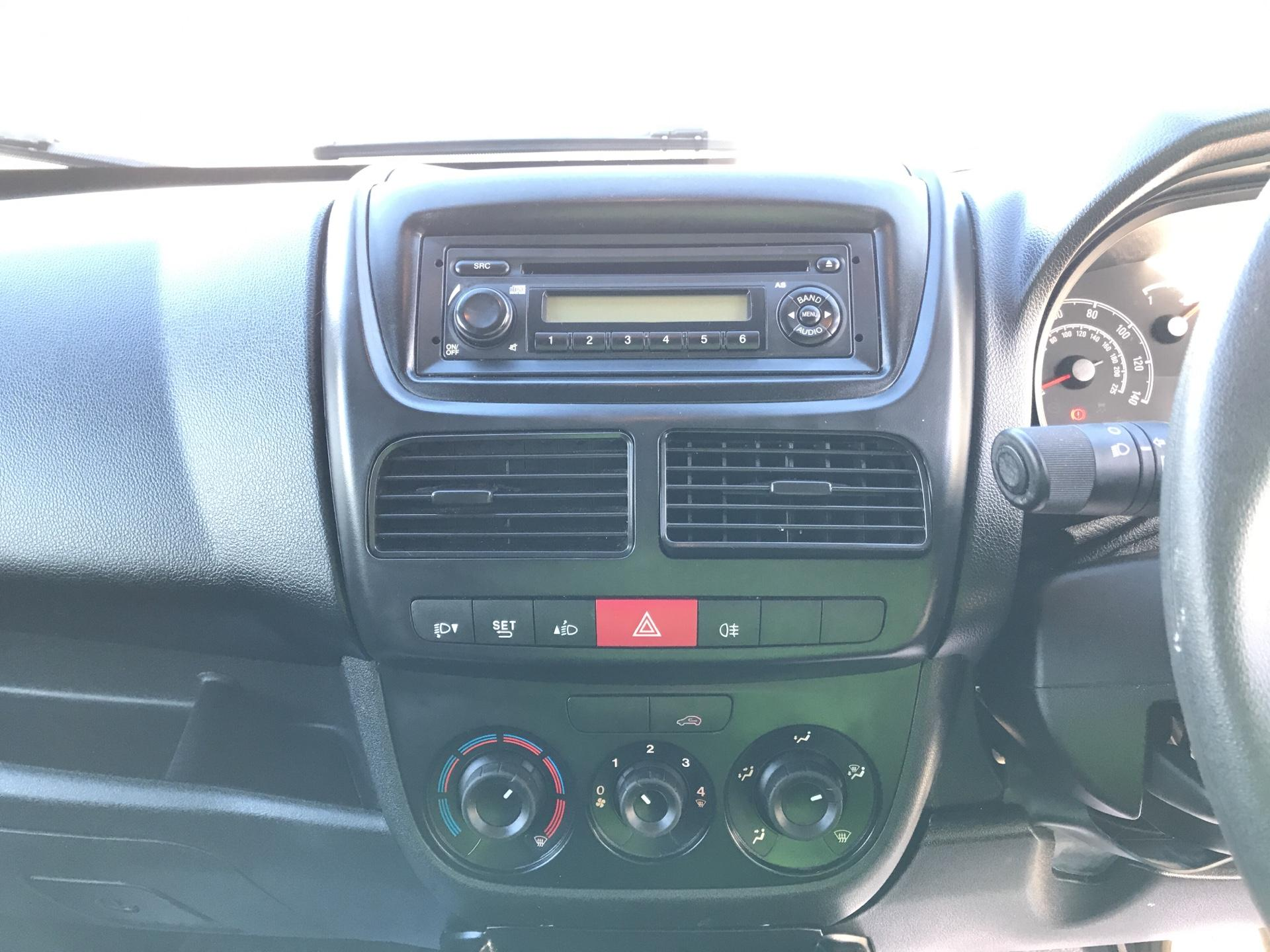 2015 Vauxhall Combo L1 H1 2000 1.3 16V EURO 5 (DS65UFX) Image 10