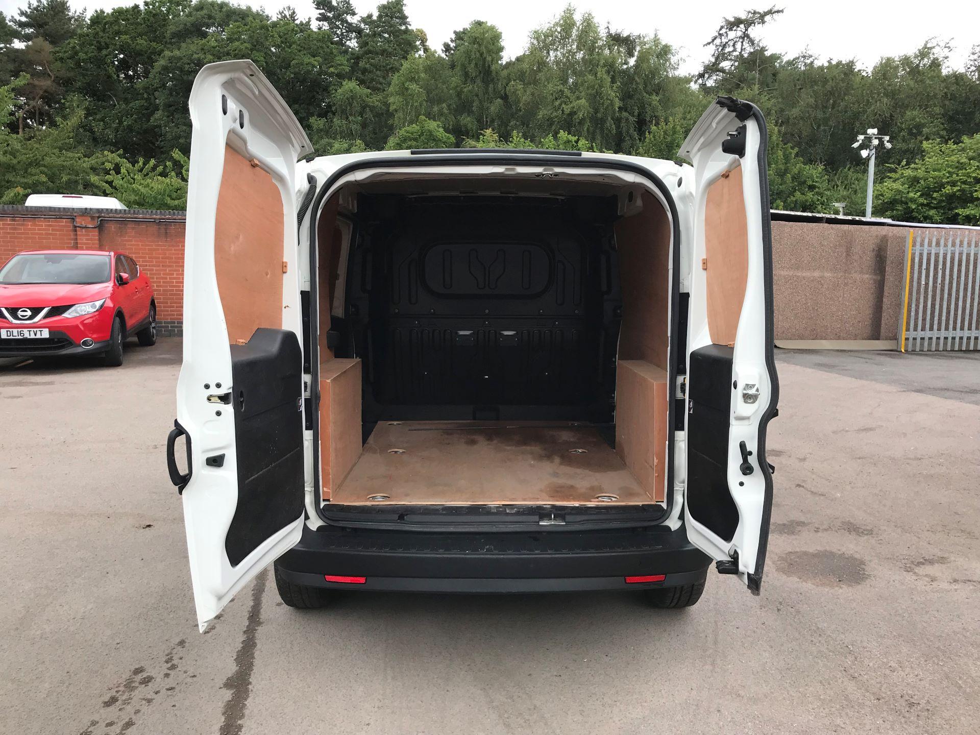 2015 Vauxhall Combo L1 H1 2000 1.3 16V  EURO 5 (DS65YPK) Image 10
