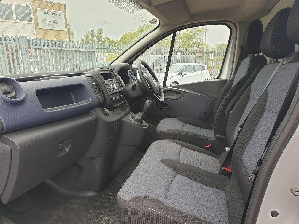 2015 Vauxhall Vivaro L2 H1 2900 1.6 115PS EURO 5 (DS65YRC) Image 5