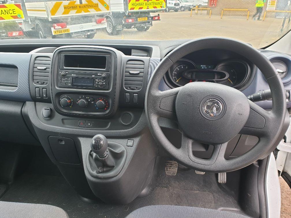 2015 Vauxhall Vivaro L2 H1 2900 1.6 115PS EURO 5 (DS65YRC) Image 17