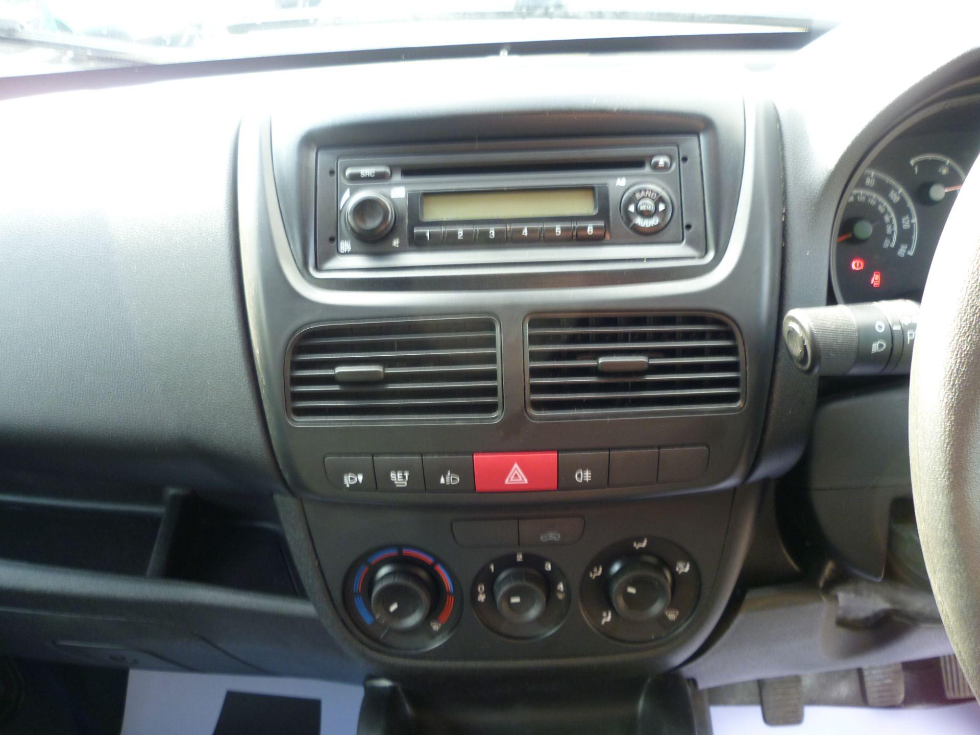 2015 Vauxhall Combo  L1 H1 2000 1.3 16V  EURO 5 (DS65YSJ) Image 20