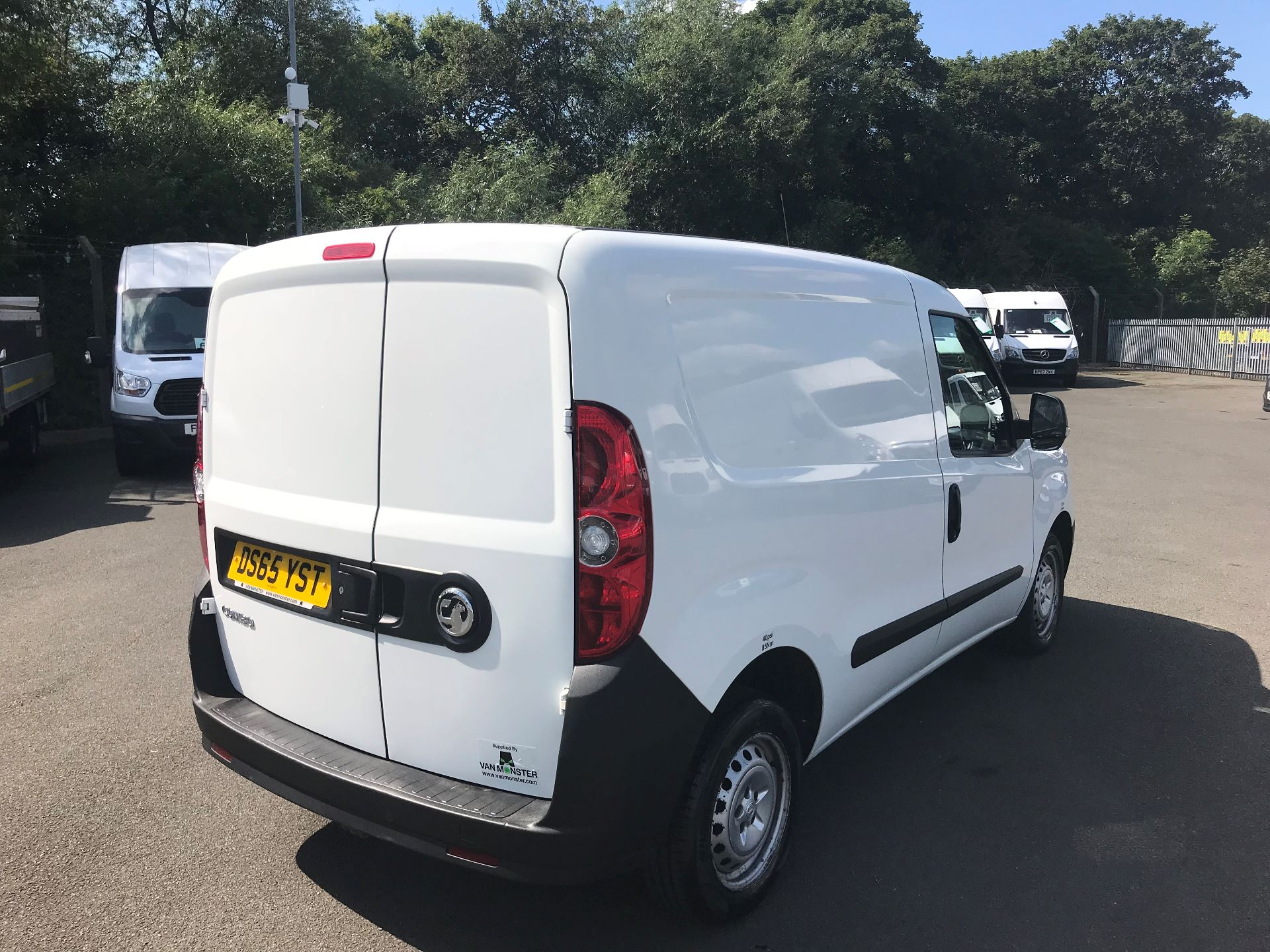 2015 Vauxhall Combo  L1 H1 2000 1.3 16V  EURO 5 (DS65YST) Image 4