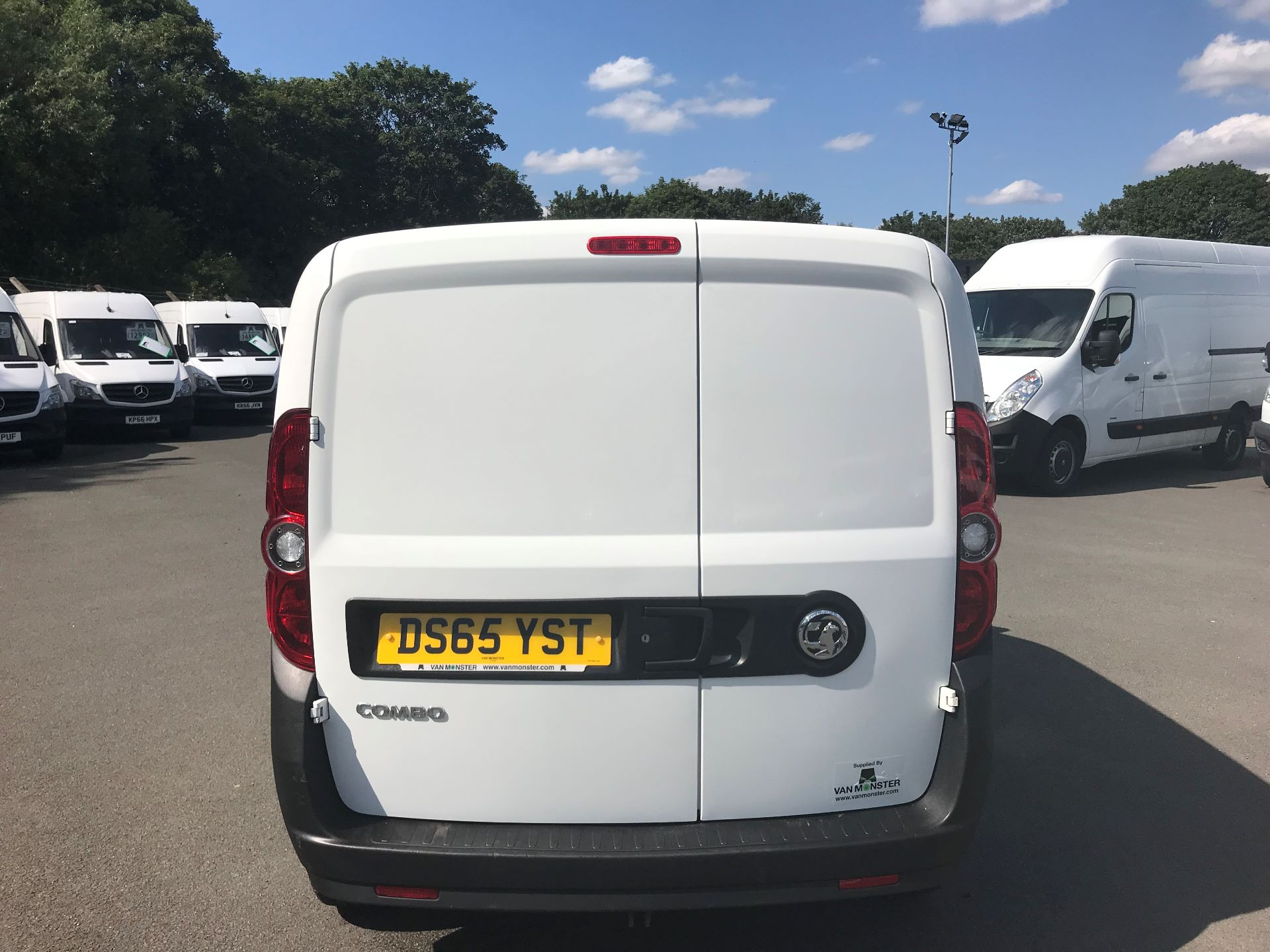 2015 Vauxhall Combo  L1 H1 2000 1.3 16V  EURO 5 (DS65YST) Image 6
