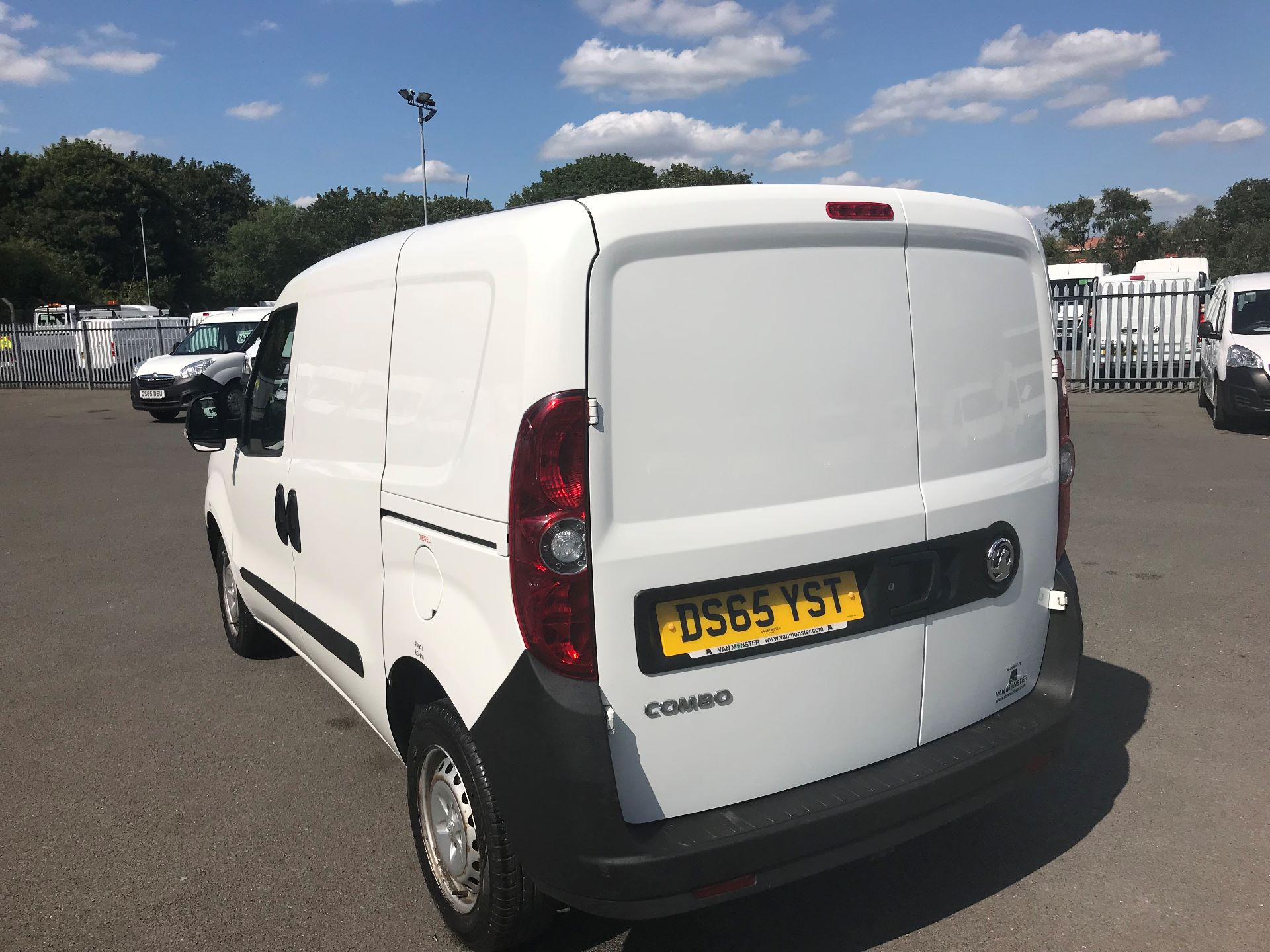 2015 Vauxhall Combo  L1 H1 2000 1.3 16V  EURO 5 (DS65YST) Image 5