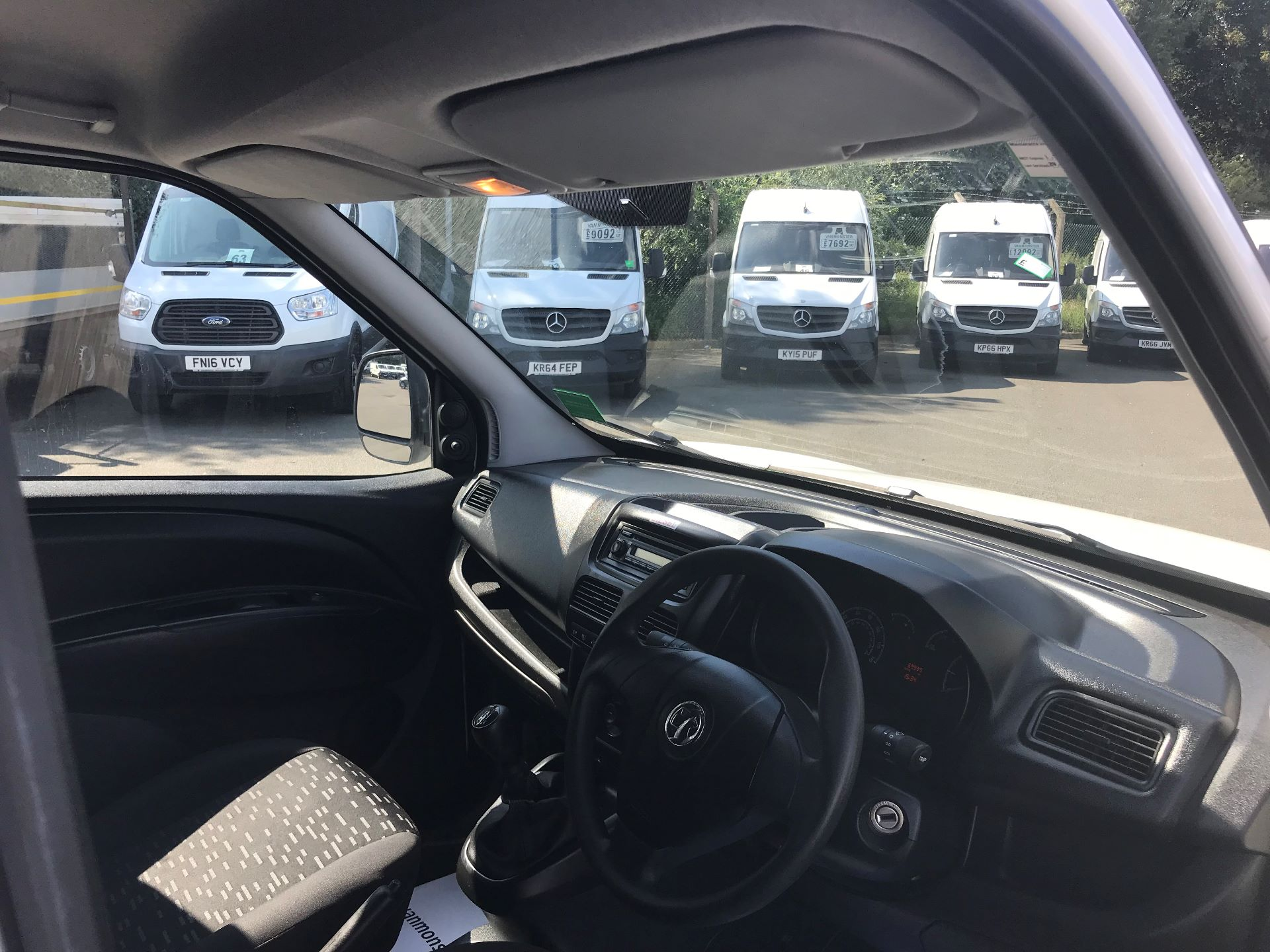 2015 Vauxhall Combo  L1 H1 2000 1.3 16V  EURO 5 (DS65YST) Image 18