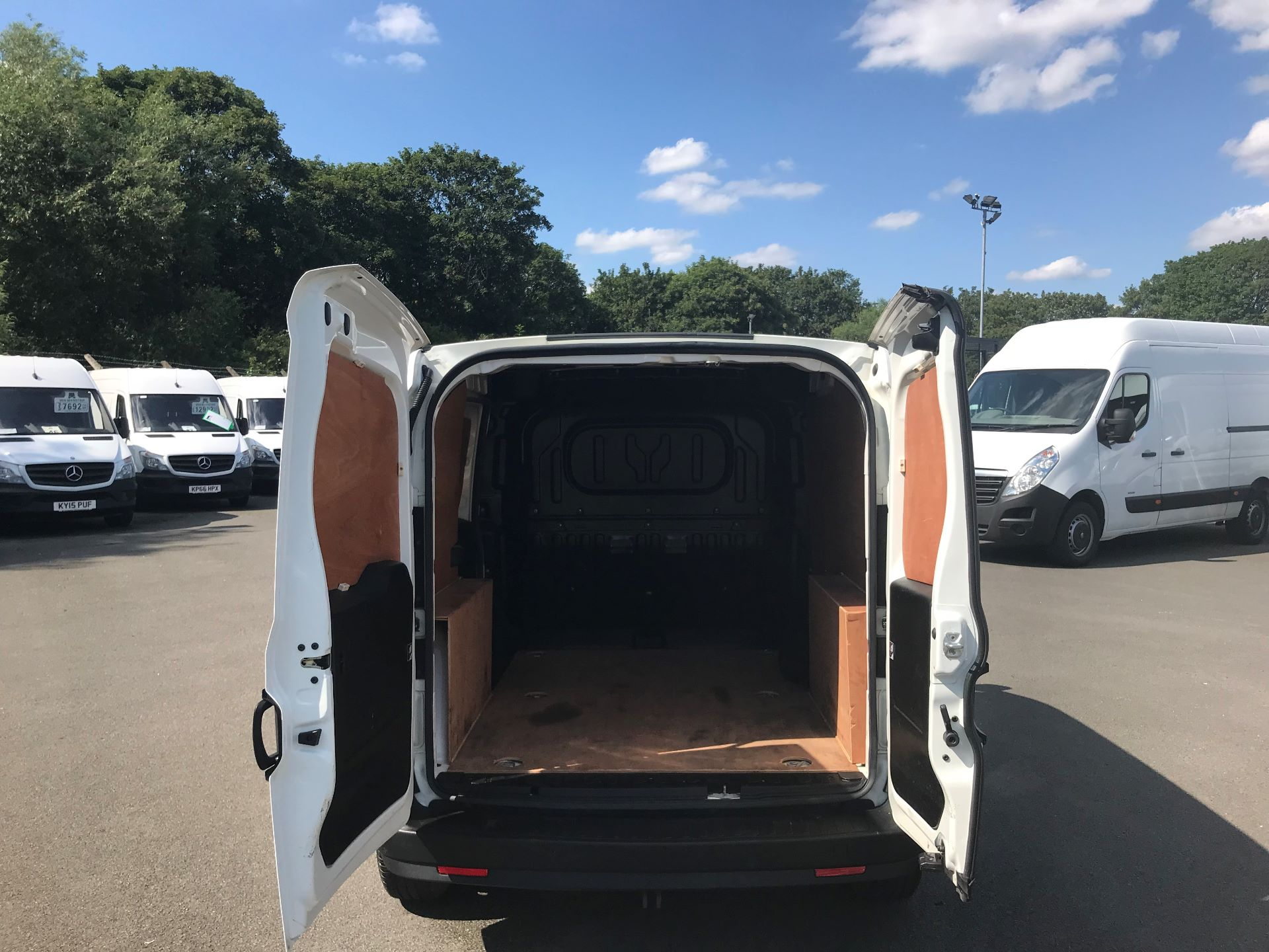 2015 Vauxhall Combo  L1 H1 2000 1.3 16V  EURO 5 (DS65YST) Image 7