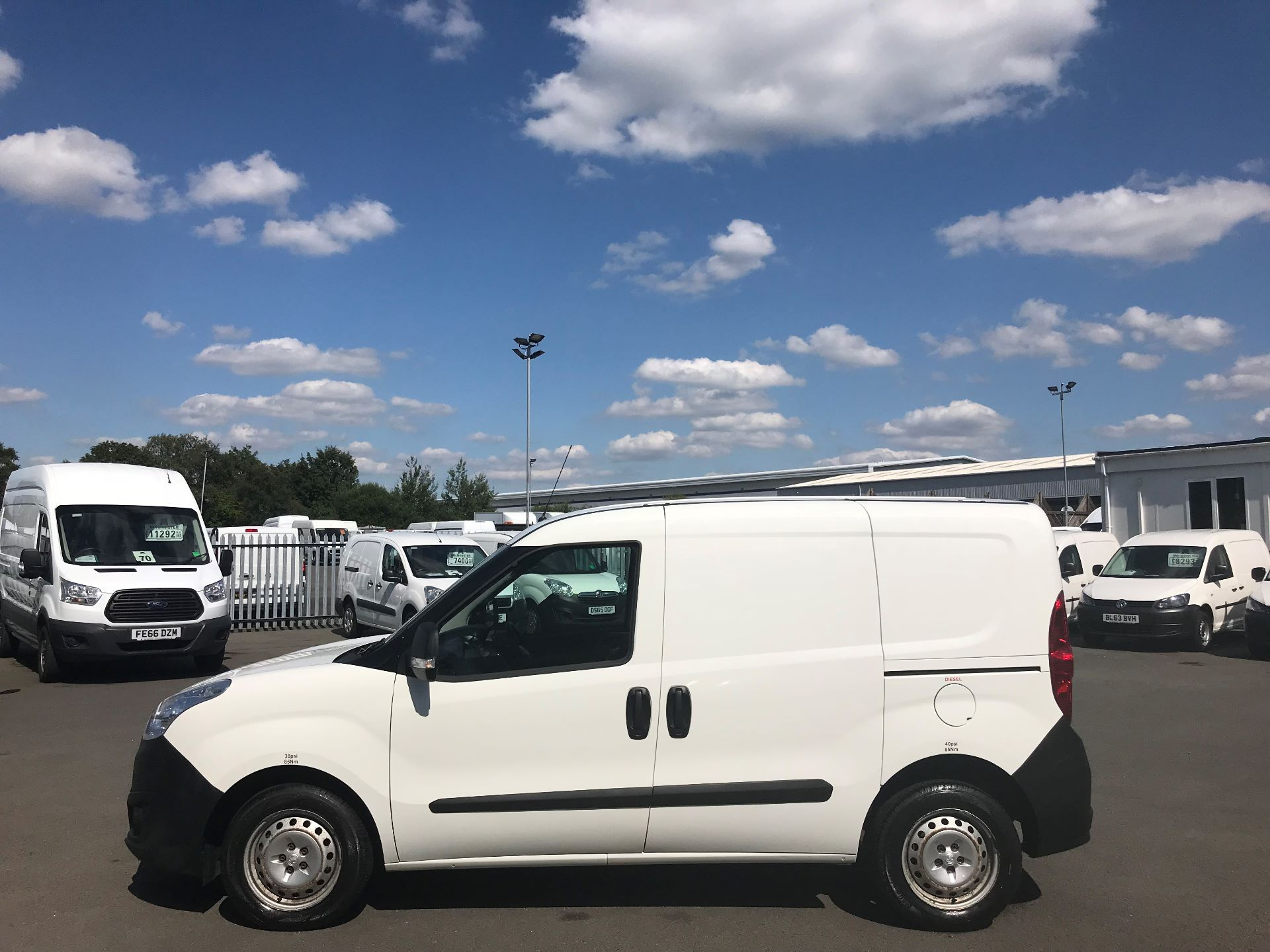 2015 Vauxhall Combo  L1 H1 2000 1.3 16V  EURO 5 (DS65YST) Image 9