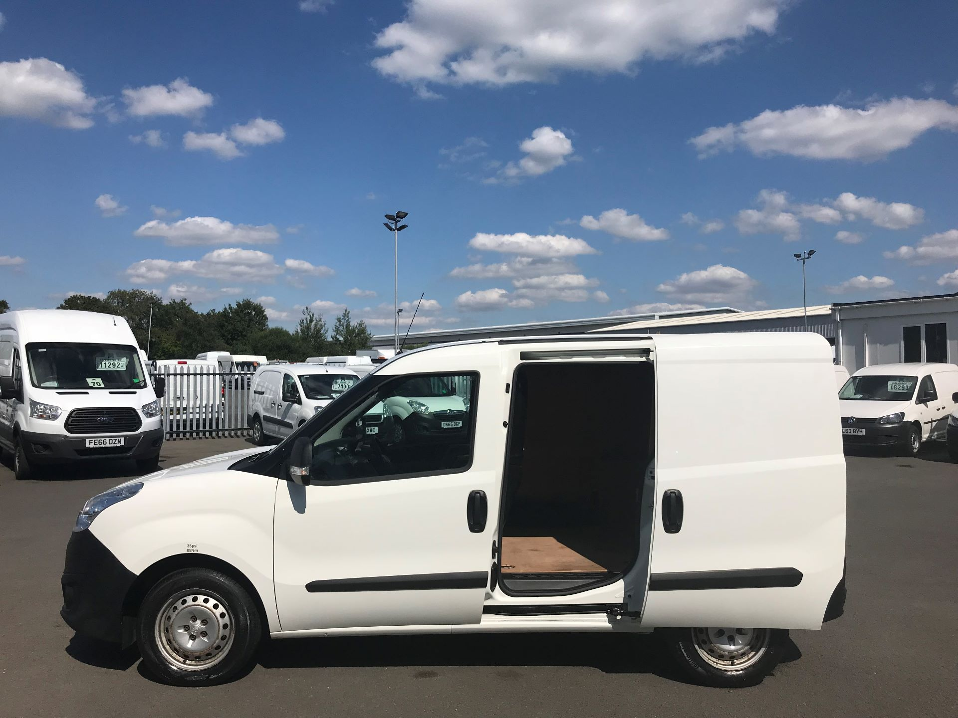 2015 Vauxhall Combo  L1 H1 2000 1.3 16V  EURO 5 (DS65YST) Image 10