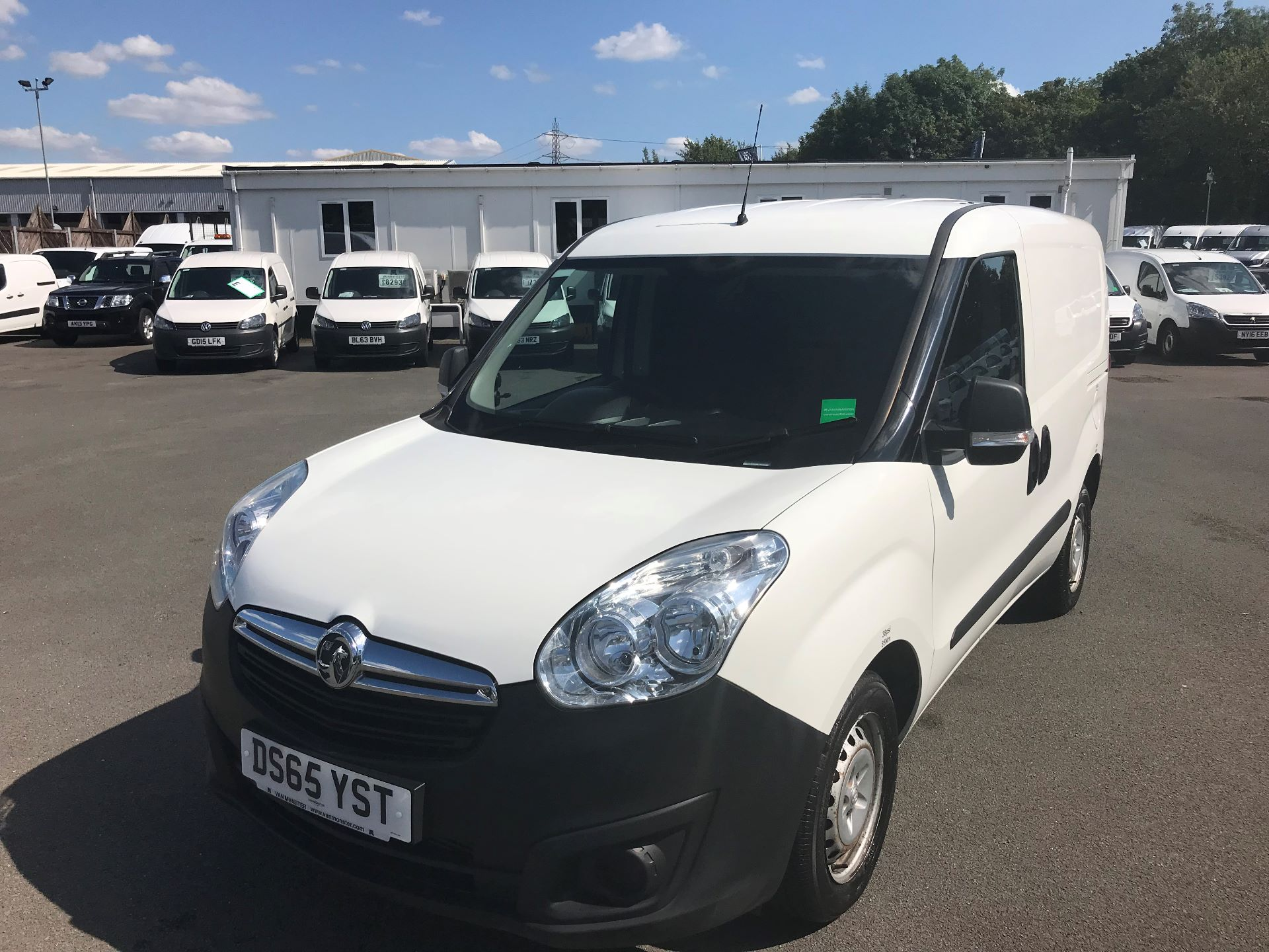 2015 Vauxhall Combo  L1 H1 2000 1.3 16V  EURO 5 (DS65YST) Image 2
