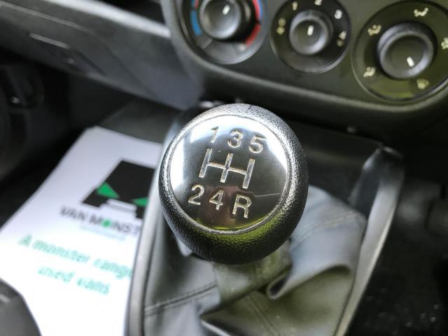 2015 Vauxhall Combo 2000 L1 H1 1.3CDTI 16V EURO 5 (DS65YTP) Image 11