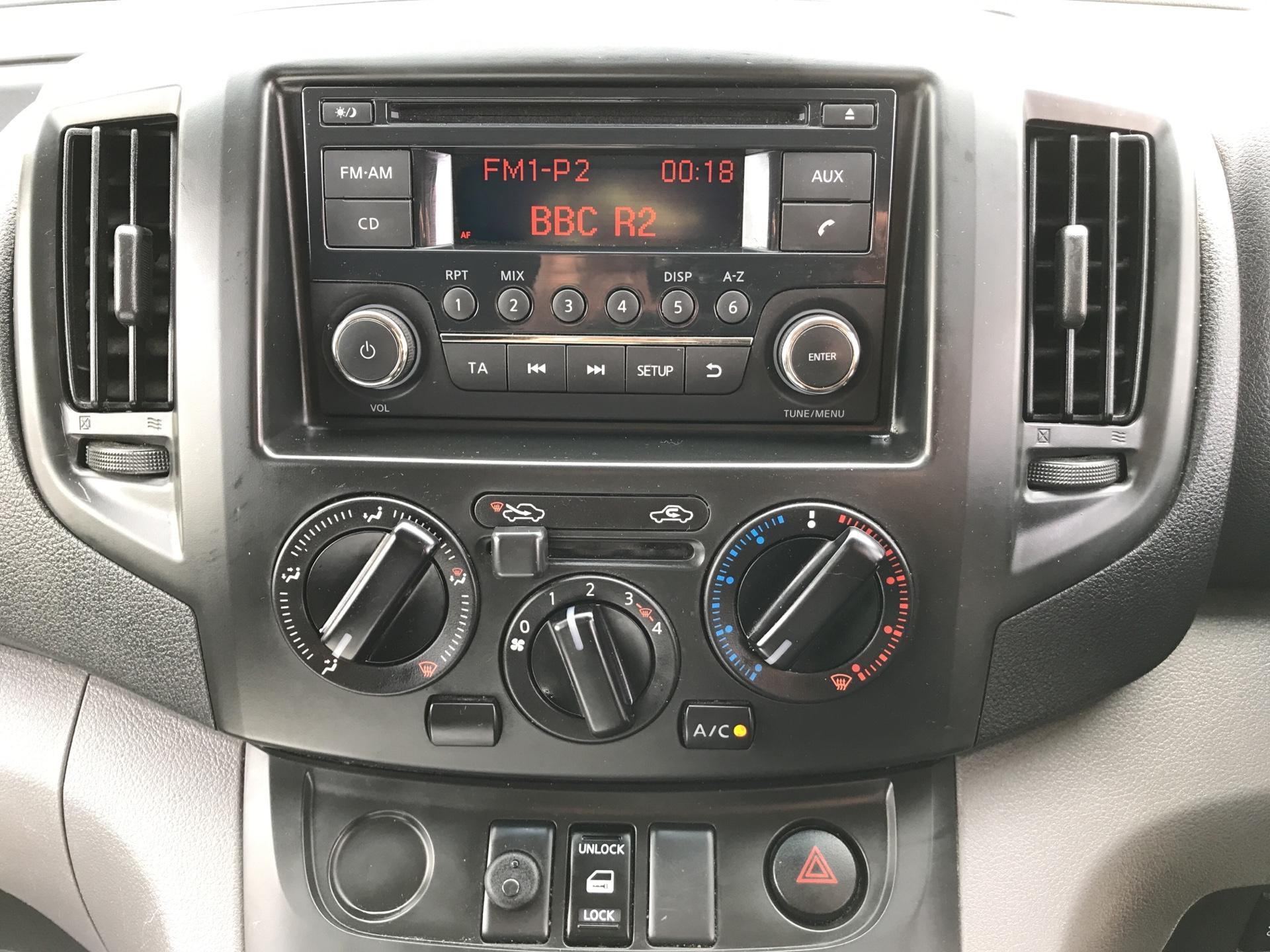 2015 Nissan Nv200 1.5 DCI ACENTA EURO 5 (DS65ZGN) Image 10