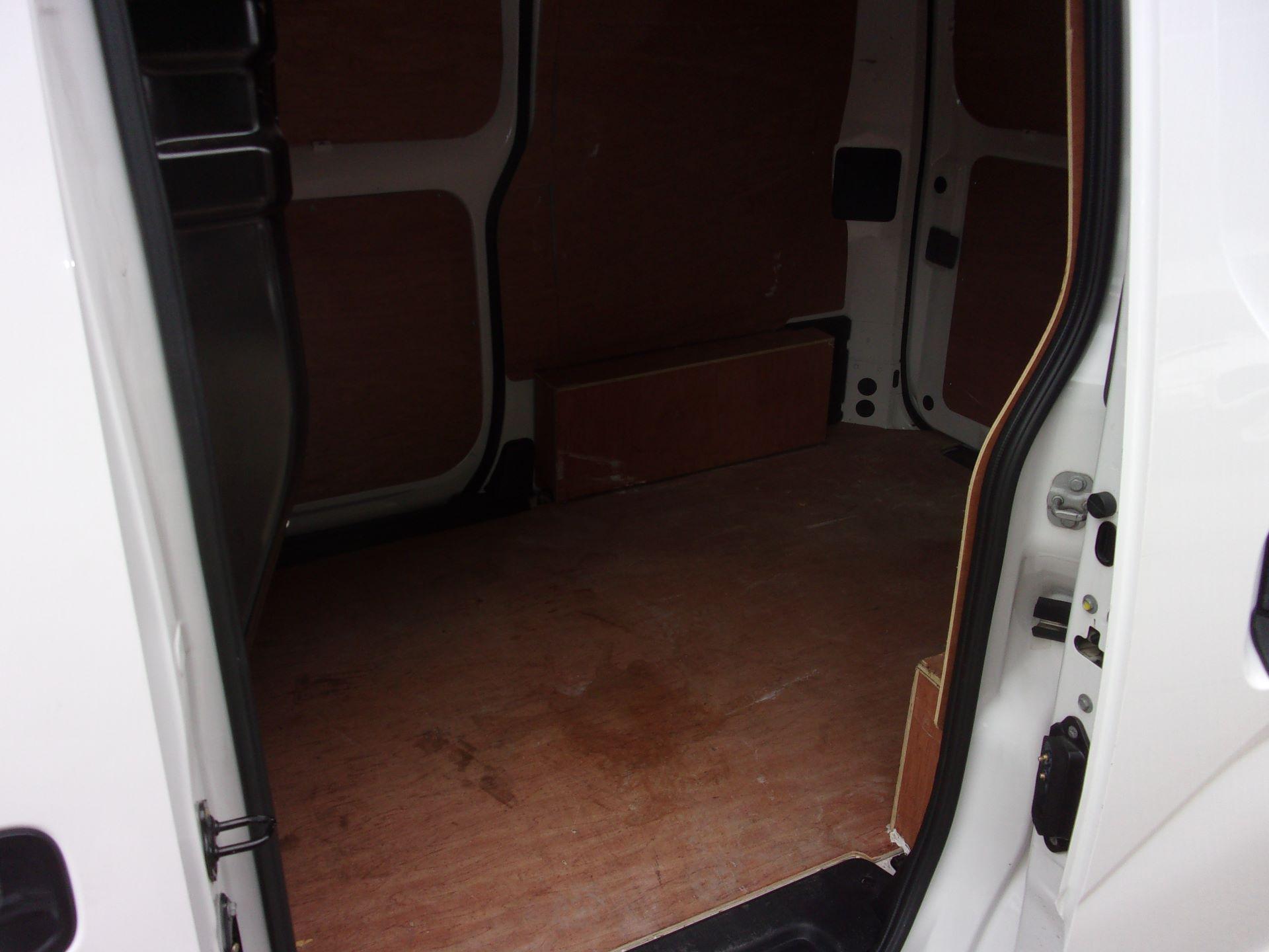 2017 Nissan Nv200 1.5 DCI ACENTA VAN EURO 6 (DS66LPE) Image 16