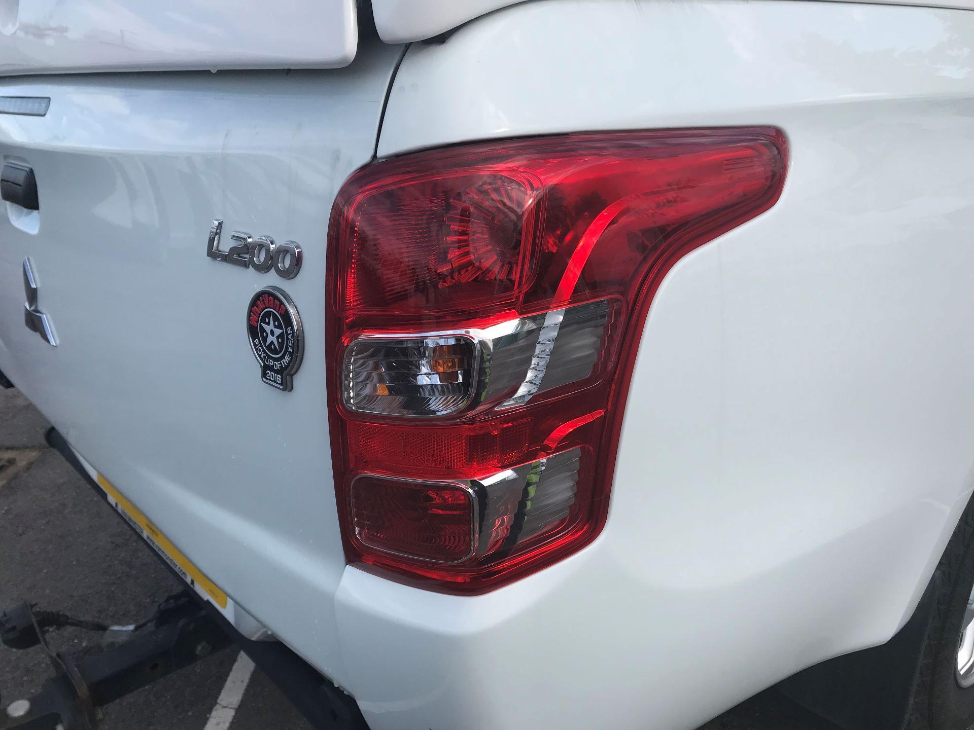 2016 Mitsubishi L200   D/CAB DI-D 151 4 LIFE EURO 5 (DS66RXJ) Image 12
