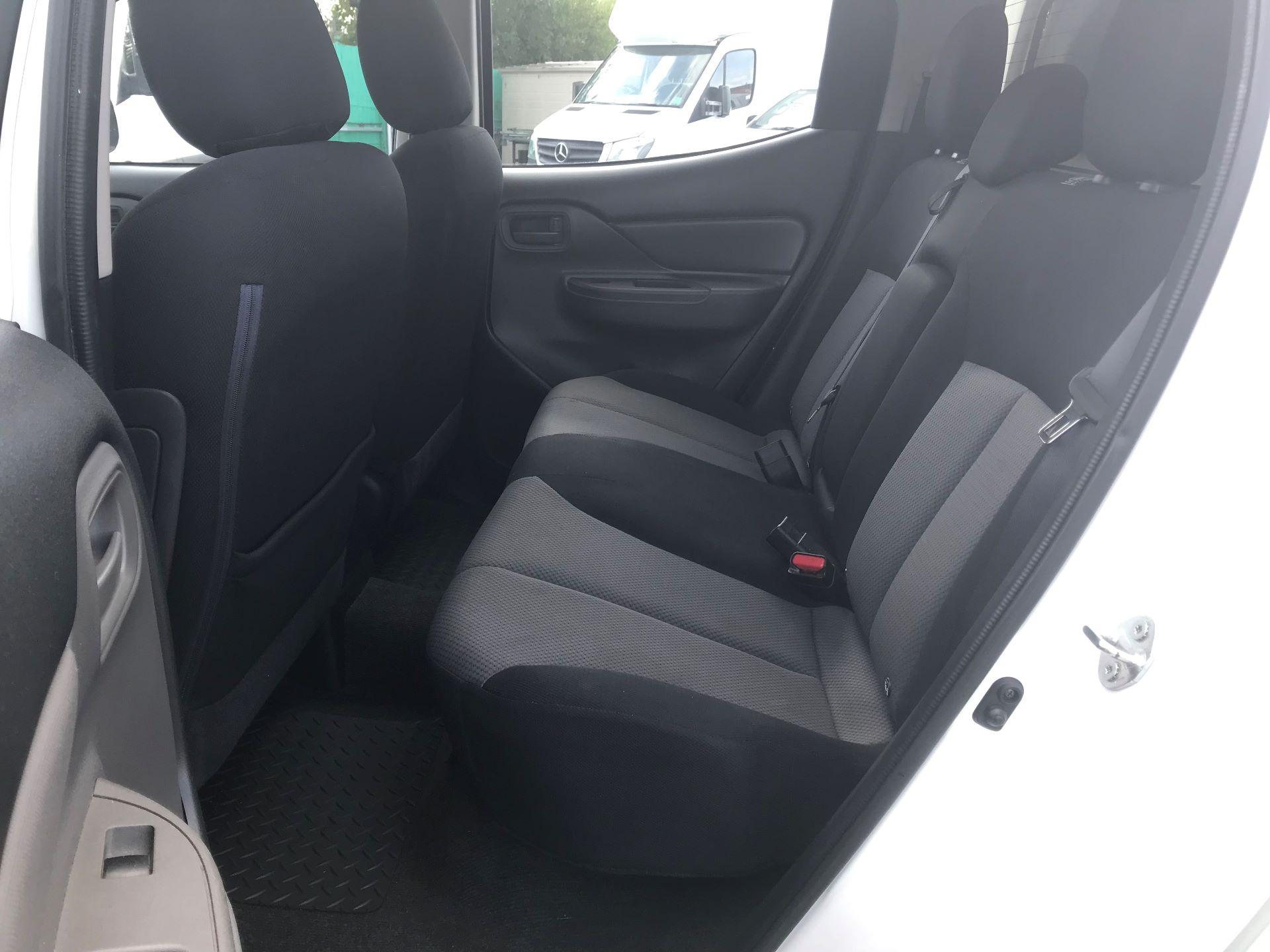2016 Mitsubishi L200   D/CAB DI-D 151 4 LIFE EURO 5 (DS66RXJ) Image 21