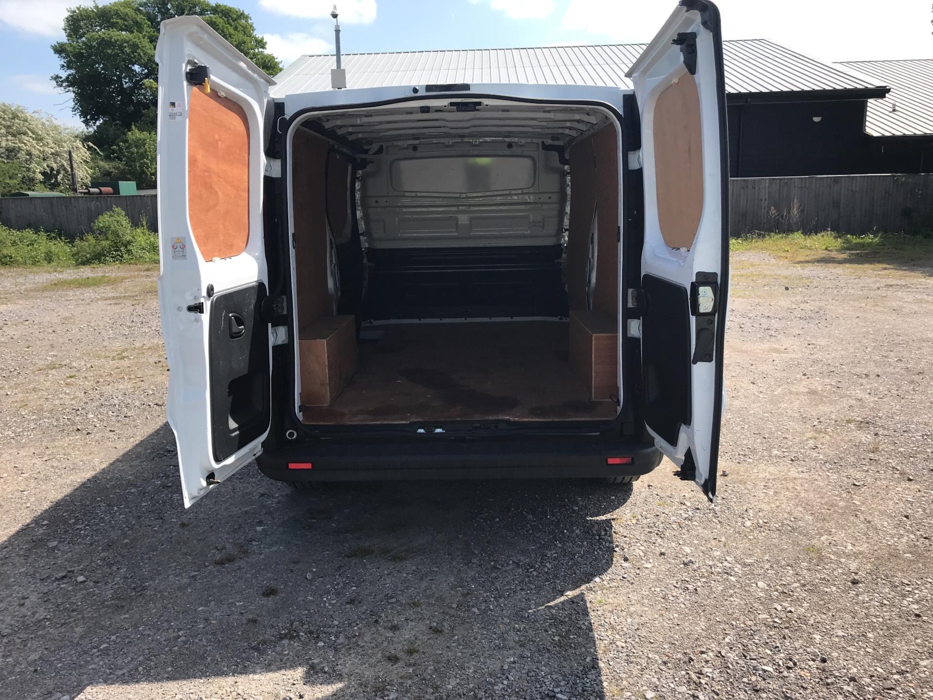 2016 Vauxhall Vivaro 2900 1.6Cdti 115Ps H1 Van (DS66YCJ) Image 17