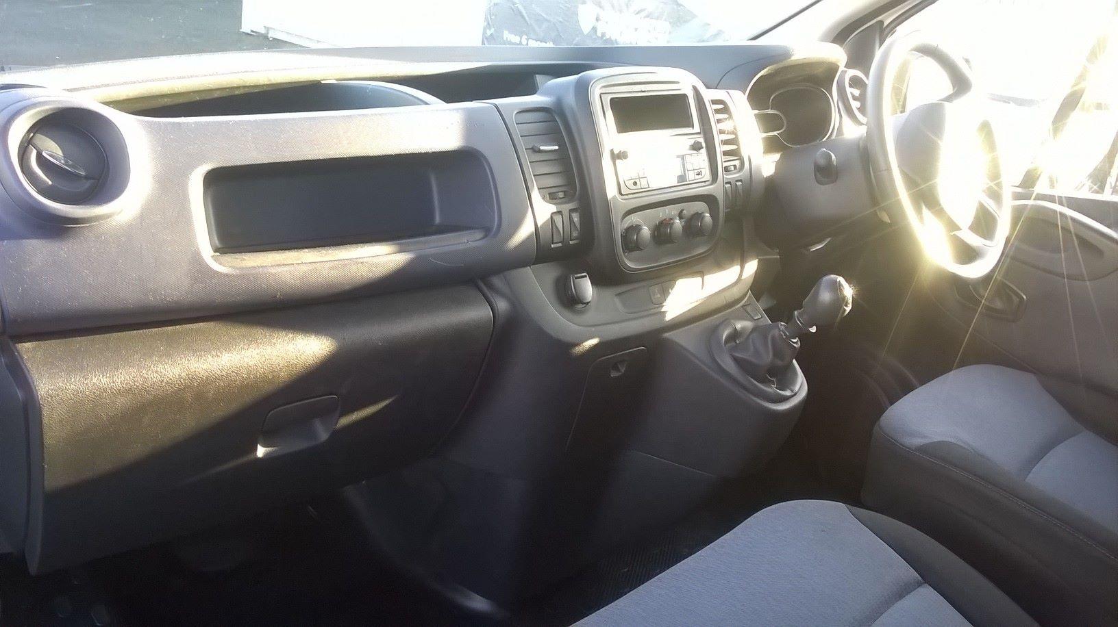 2016 Vauxhall Vivaro L2 H1 2900 1.6 115PS EURO 5 (DS66YFU) Image 13