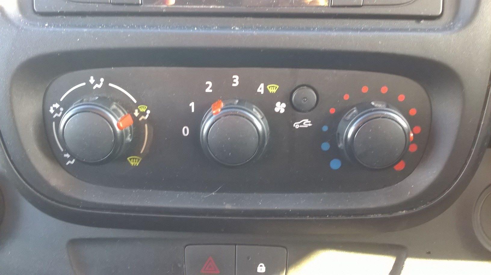 2016 Vauxhall Vivaro L2 H1 2900 1.6 115PS EURO 5 (DS66YFU) Image 19