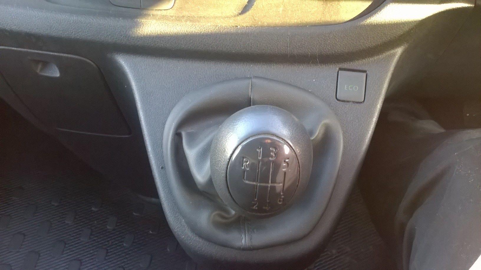 2016 Vauxhall Vivaro L2 H1 2900 1.6 115PS EURO 5 (DS66YFU) Image 17