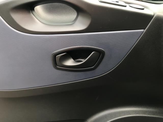 2016 Vauxhall Vivaro 2900 1.6Cdti Biturbo 125Ps H1 Combi 9 Seat (DS66YJF) Image 31
