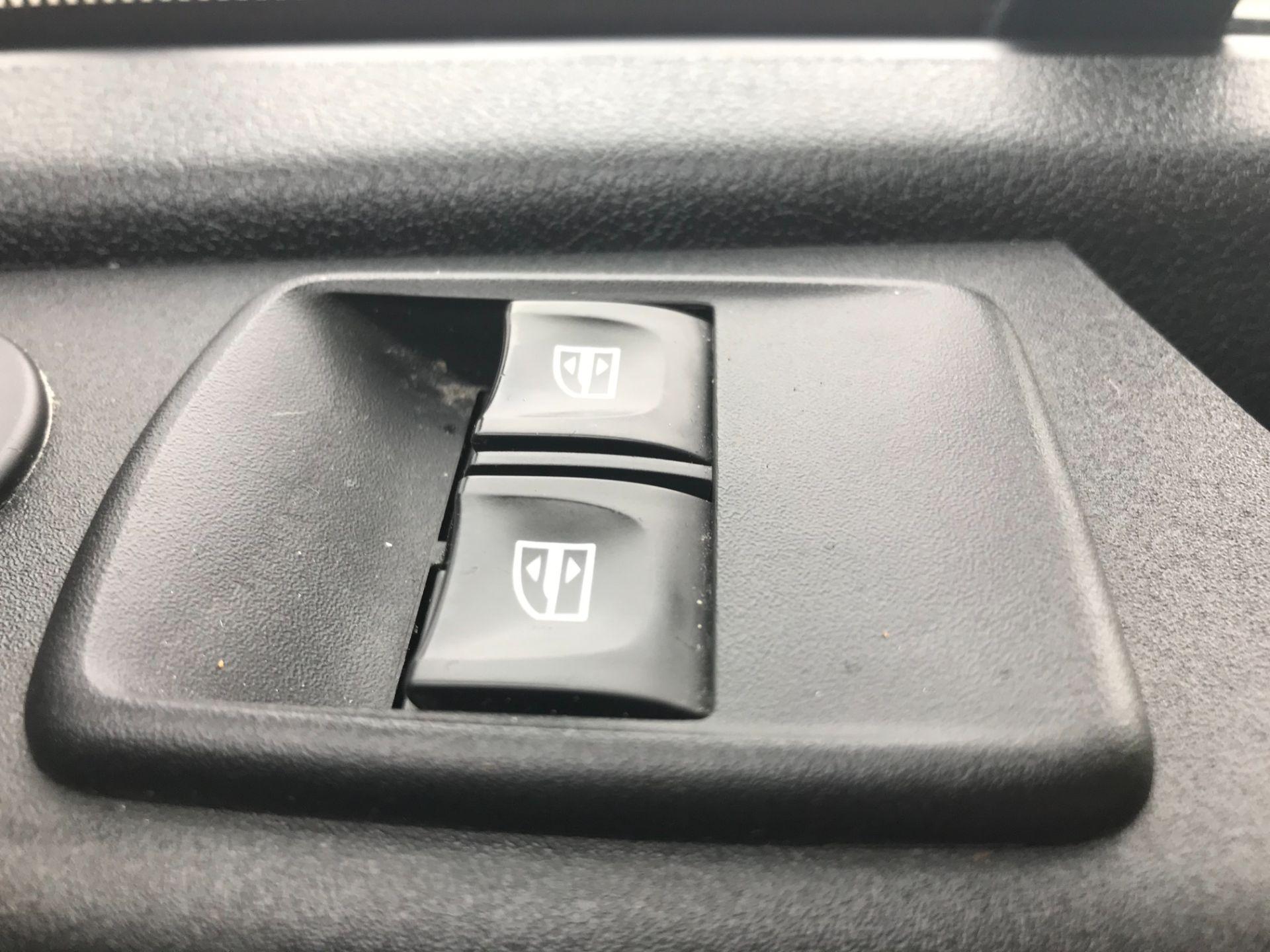2017 Vauxhall Vivaro L2 H1 2900 1.6CDTI 120PS SPORTIVE EURO 6 (DS67BCE) Image 28