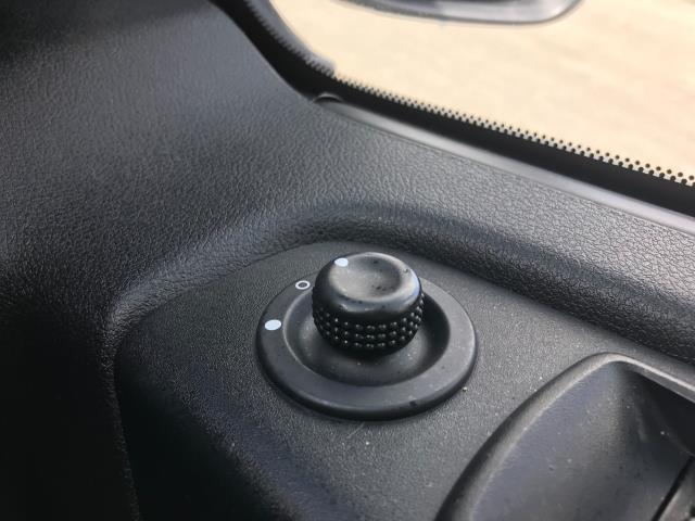 2017 Vauxhall Vivaro Vauxhall Vivaro 2900 1.6 Cdti 120Ps Sportive H1 Van (DS67BJV) Image 29