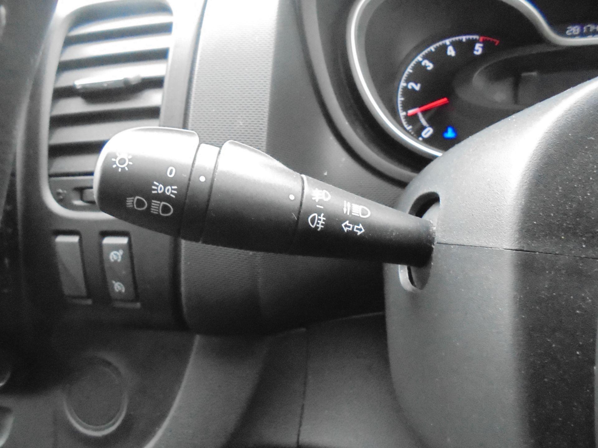2017 Vauxhall Vivaro L2 H1 2900 1.6CDTI 120PS SPORTIVE EURO 6 (DS67BJY) Image 23