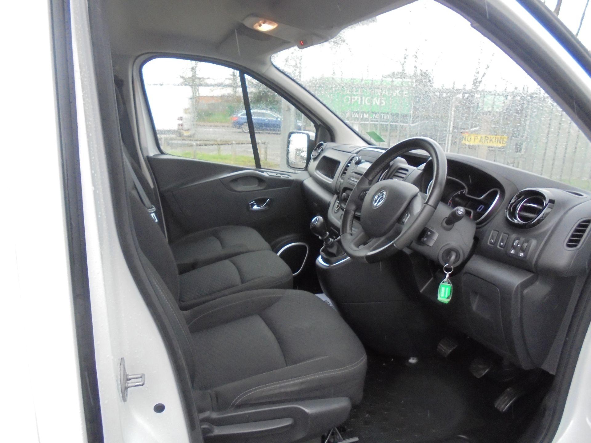 2017 Vauxhall Vivaro L2 H1 2900 1.6CDTI 120PS SPORTIVE EURO 6 (DS67BJY) Image 11