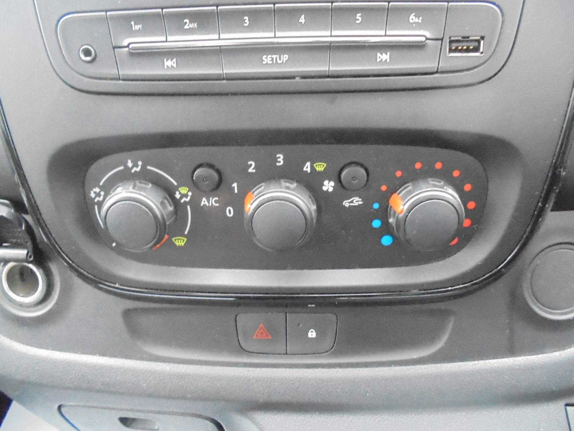 2017 Vauxhall Vivaro L2 H1 2900 1.6CDTI 120PS SPORTIVE EURO 6 (DS67BJY) Image 25