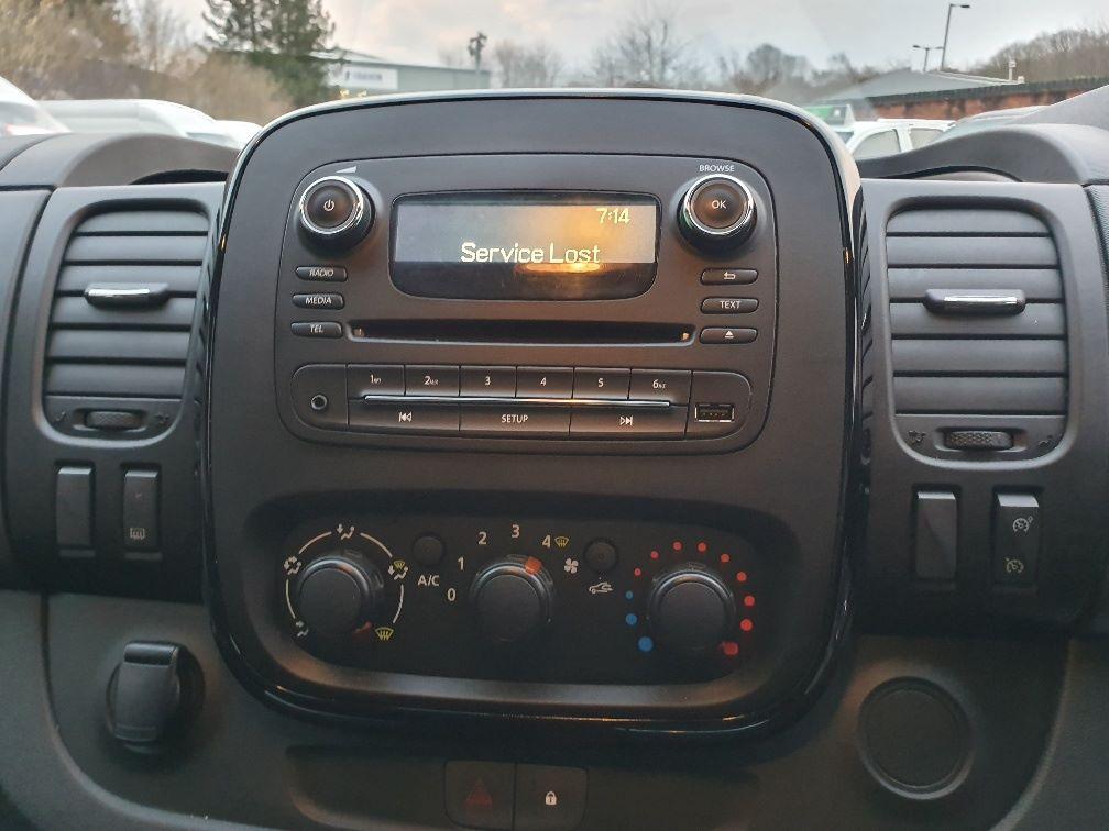 2017 Vauxhall Vivaro L2 H1 2900 1.6CDTI 120PS SPORTIVE EURO 6 (DS67BND) Image 6