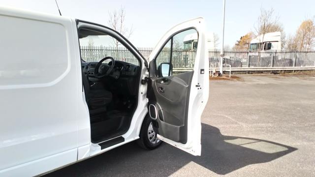 2017 Vauxhall Vivaro 2900 1.6Cdti 120Ps Sportive H1 Van (DS67BNJ) Image 13