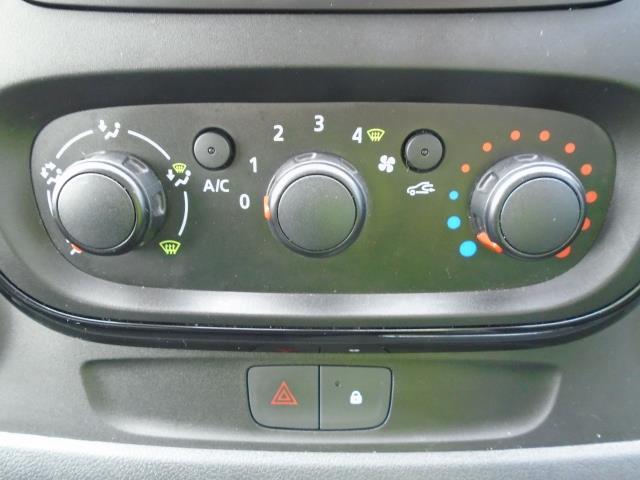 2017 Vauxhall Vivaro  L2 H1 2900 1.6 CDTI 120PS SPORTIVE EURO 6 (DS67BWB) Image 30