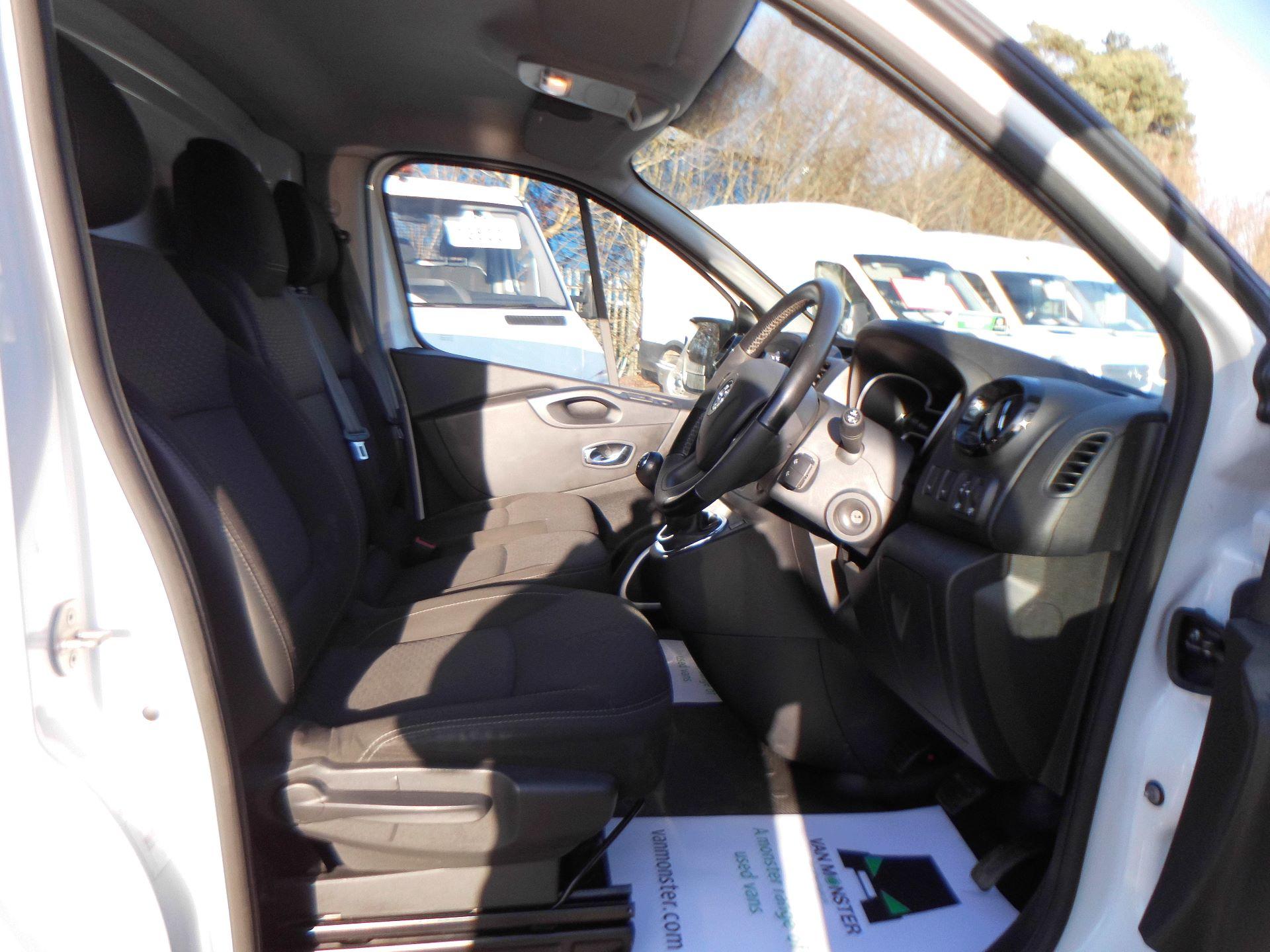 2017 Vauxhall Vivaro 2900 1.6Cdti 120Ps Sportive H1 Van EURO 6 (DS67BWF) Image 5