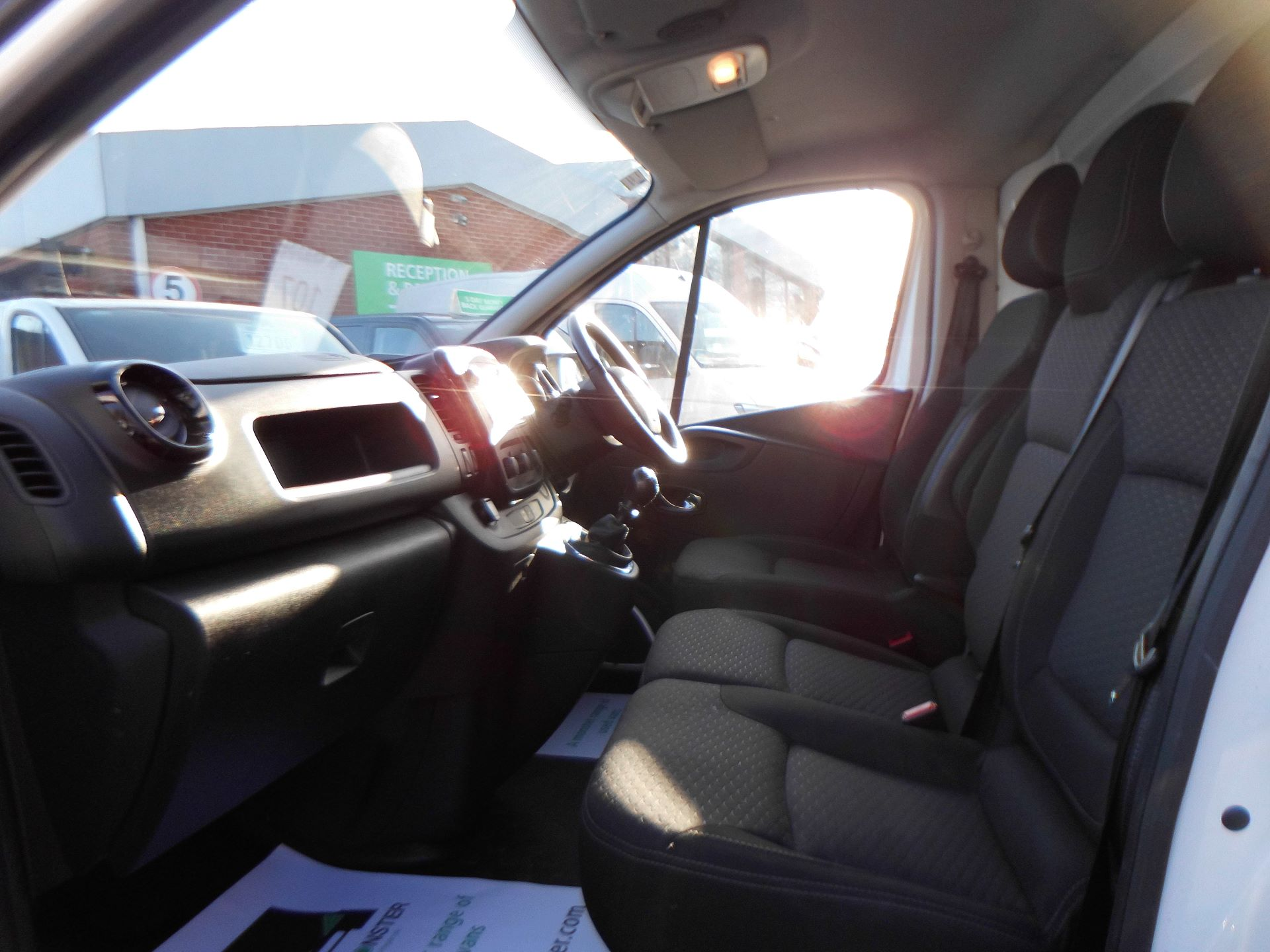 2017 Vauxhall Vivaro 2900 1.6Cdti 120Ps Sportive H1 Van EURO 6 (DS67BWF) Image 16
