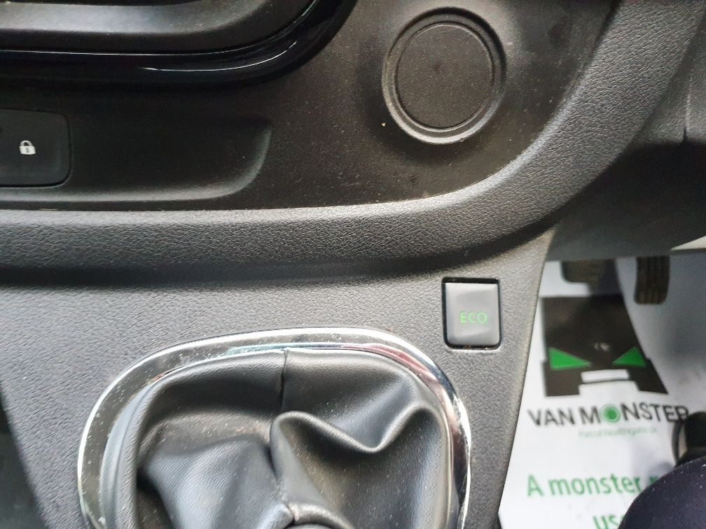 2017 Vauxhall Vivaro 2900 1.6Cdti 120Ps Sportive H1 Van (DS67BWO) Image 17