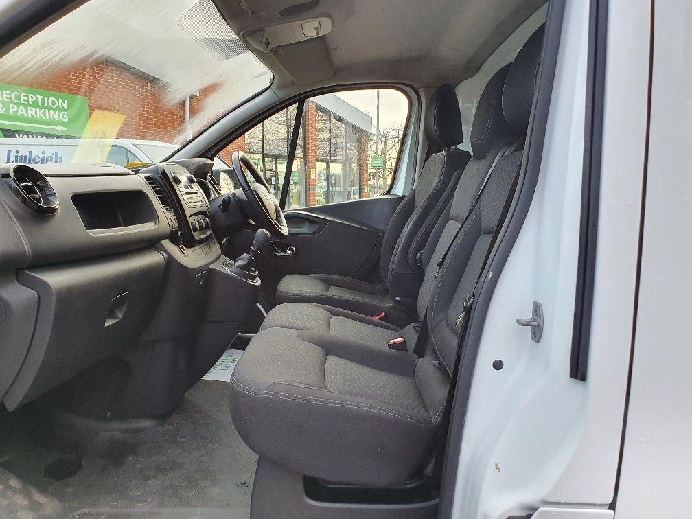 2017 Vauxhall Vivaro 2900 1.6Cdti 120Ps Sportive H1 Van (DS67BWO) Image 15