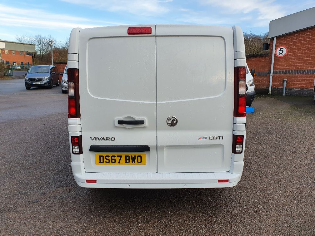 2017 Vauxhall Vivaro 2900 1.6Cdti 120Ps Sportive H1 Van (DS67BWO) Image 9