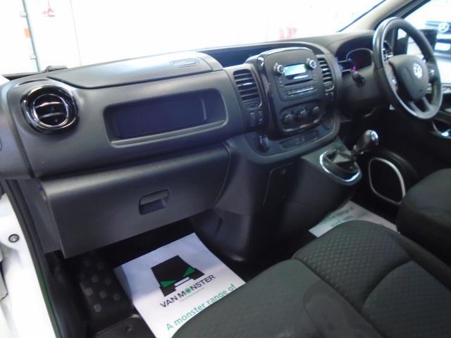 2017 Vauxhall Vivaro 2900 1.6Cdti 120Ps Sportive H1 Van (DS67CCX) Image 28