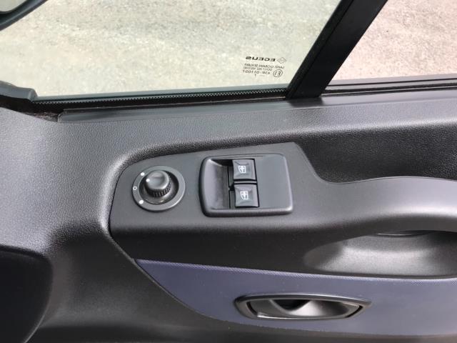 2017 Vauxhall Vivaro 2900 1.6Cdti 120Ps H1 Doublecab Euro 6 (DS67CFF) Image 18