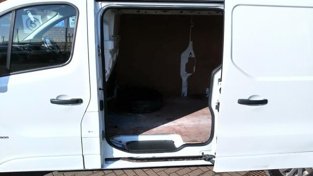 2017 Vauxhall Vivaro 2900 1.6Cdti 120Ps Sportive H1 Van (DS67CFM) Image 7