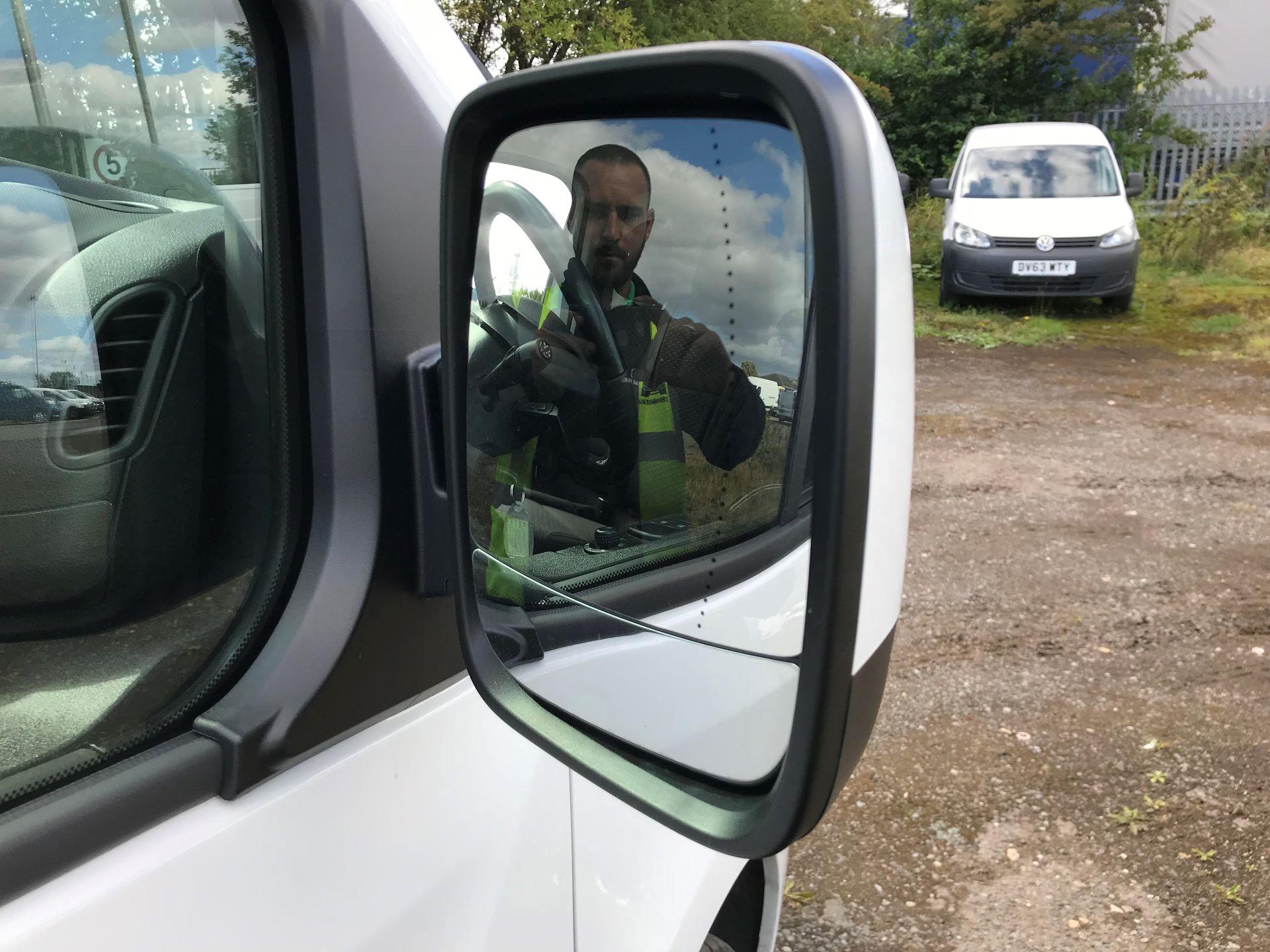2017 Vauxhall Vivaro 2900 1.6Cdti 120Ps Sportive H1 Van (DS67CFO) Image 10