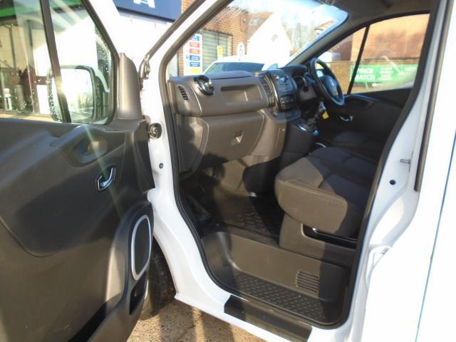 2017 Vauxhall Vivaro L2 H1 2900 1.6CDTI 120PS SPORTIVE  EURO 6  (DS67CHJ) Image 16