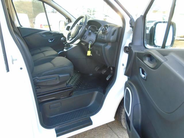2017 Vauxhall Vivaro L2 H1 2900 1.6CDTI 120PS SPORTIVE  EURO 6  (DS67CHJ) Image 18