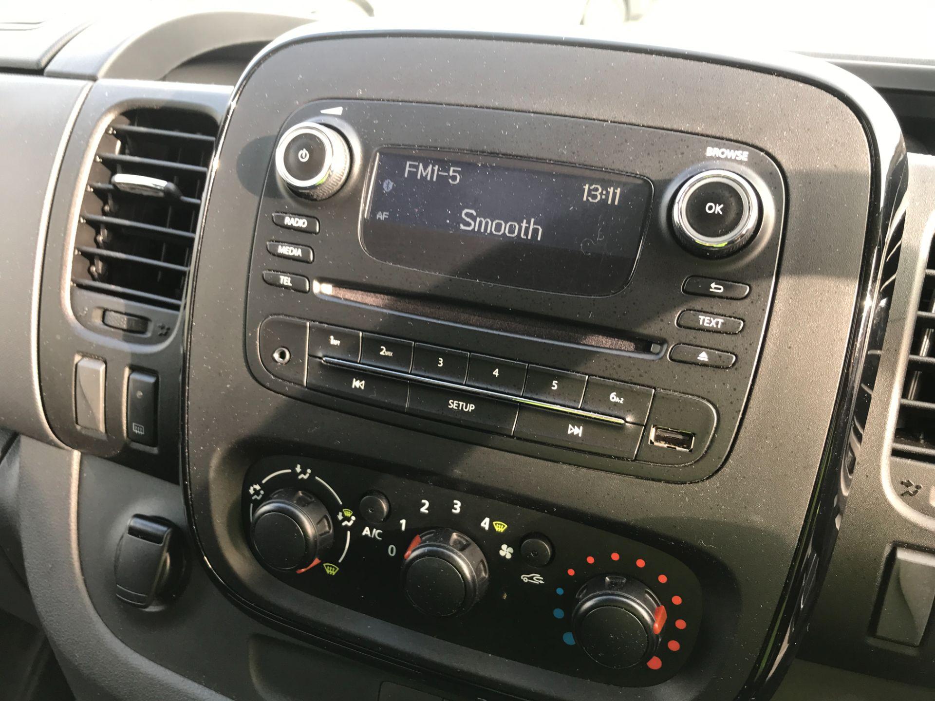 2017 Vauxhall Vivaro 2900 L2 H1 1.6CDTI 120PS SPORTIVE EURO 6 (DS67CJF) Image 3