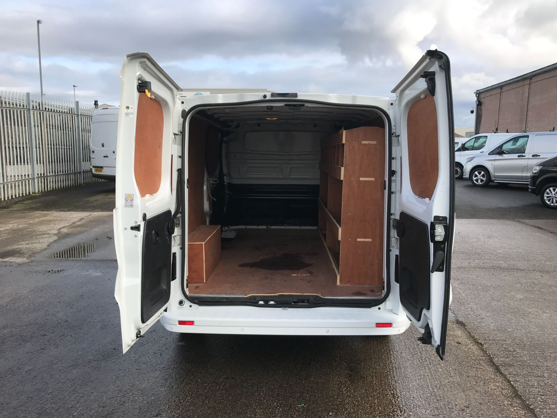 2017 Vauxhall Vivaro 2900 L2 H1 1.6CDTI 120PS SPORTIVE EURO 6 (DS67CJF) Image 15
