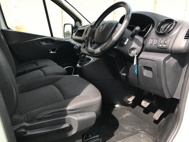 2017 Vauxhall Vivaro 2900 L2 H1 1.6CDTI 120PS SPORTIVE EURO 6 (DS67CJV) Image 16