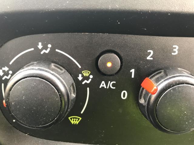 2017 Vauxhall Vivaro 2900 L2 H1 1.6CDTI 120PS SPORTIVE EURO 6 (DS67CJV) Image 12
