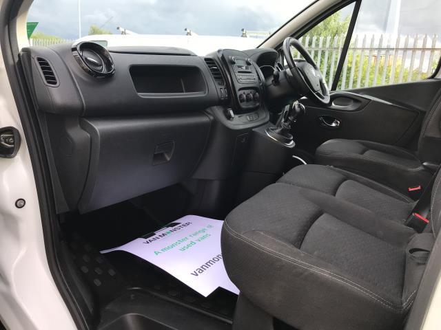 2017 Vauxhall Vivaro 2900 L2 H1 1.6CDTI 120PS SPORTIVE EURO 6 (DS67CJV) Image 17